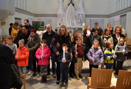 alle Kinder erneuern ihr Taufversprechen
